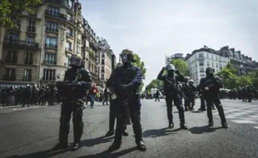 Un groupe de CRS à Paris le 1er mai 2019.