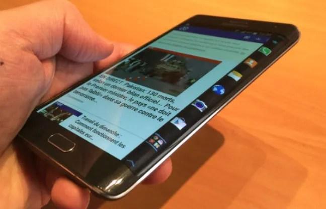 La droite de l'écran du Galaxy Note Edge est tactile, incurvée et personnalisable.
