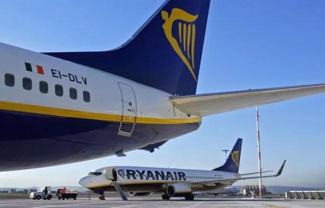 Un avion Ryanair sur le tarmac de l'aéroport de Marseille en novembre 2006.
