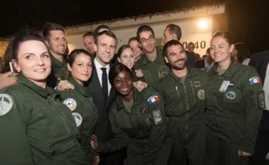 Emmanuel Macron a réveillonné avec les soldats français sur la base militaire de N'Djamena