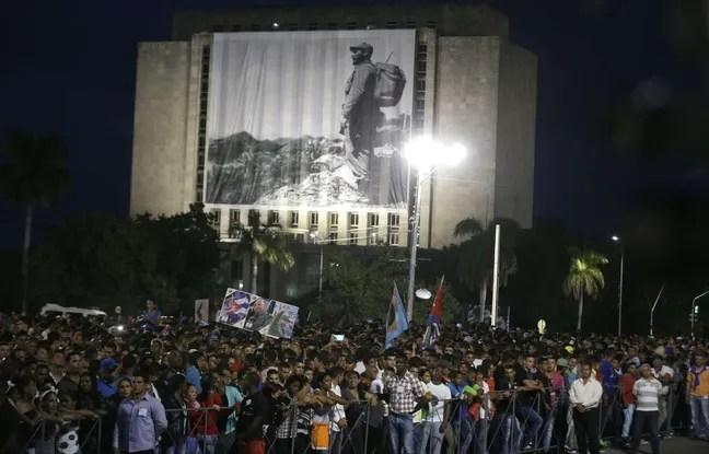 https://i2.wp.com/img.20mn.fr/wamwikFNSDiJYfOPSN-dKw/648x415_centaines-milliers-personnes-rassemblees-cuba-place-revolution-havane-dernier-hommage-fidel-castro.jpg