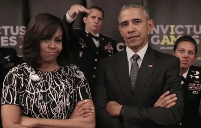 Michelle et Barack Obama dans la vidéo de chambrage à l'adresse de la reine Eliabeth.