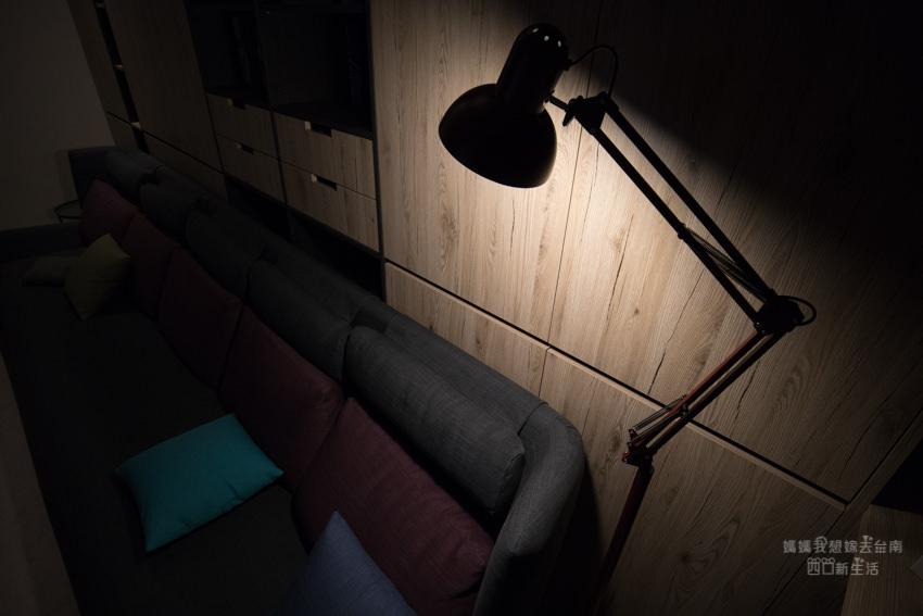 【燈具開箱】小資開箱。起家厝客廳落地燈開箱!照亮妞寶大爺的第一盞燈!