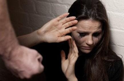 Resultado de imagem para agressão contra mulher