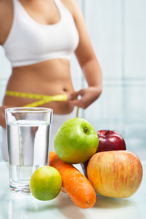 nu mâncați după ora 8: 00 pentru a pierde în greutate pierde in greutate peste un an