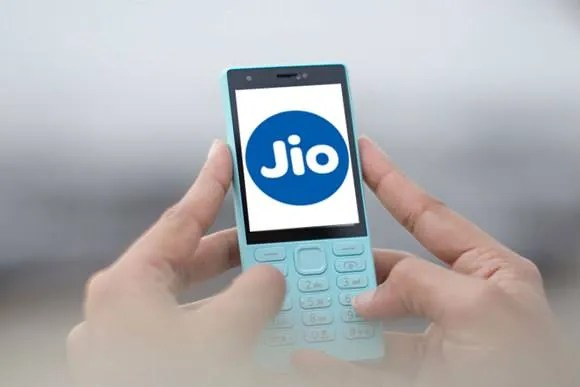Reliance Jio affordable 4G VoLTE phones (2)