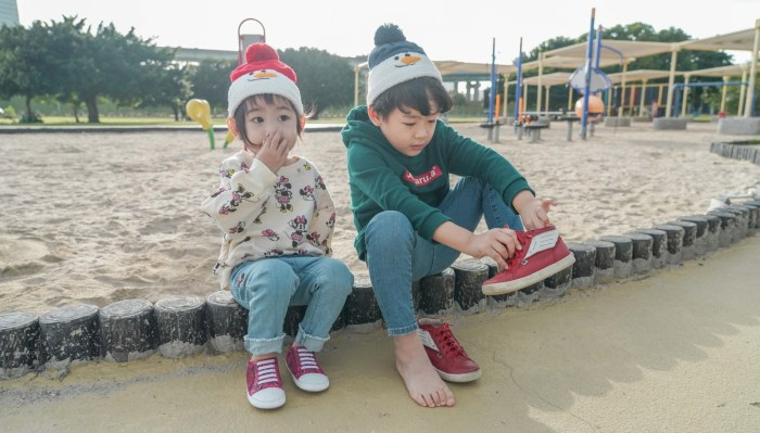 【保暖又可愛、親膚不過敏 日本Connect M /Shapox 冬季童帽。圍脖。韓國KOKACHARM童襪】