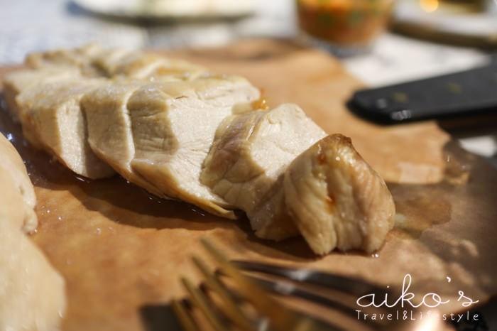 【西式料理】乾式鹽漬雞胸,不用打水也多汁的小撇步。