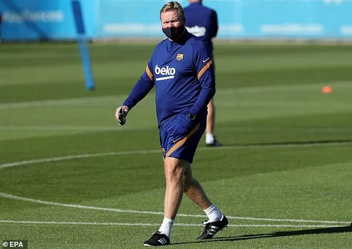 Lionel Messi has held talks with Ronald Koeman with the Barcelona captaincy now on the agenda 3