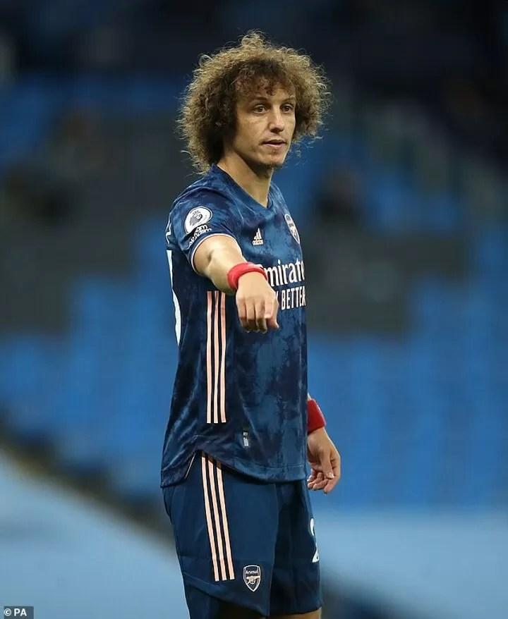 David Luiz claims that players are getting too much protection from refs and VAR 2