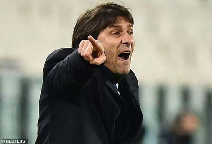 Antonio Conte shows MIDDLE FINGER to Juventus president Andrea Agnelli 8