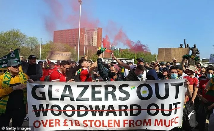 Manchester United TRIPLE security at their training base amid concerns over anti-Glazer protests 4