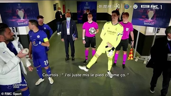 VIDEO: Courtois caught JOKING with Giroud in the tunnel about Werner's miss 3