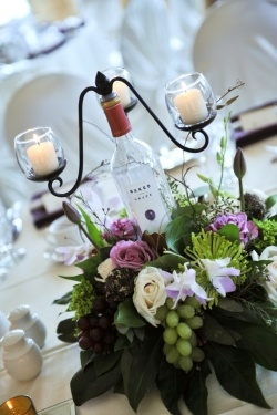 31 Beautiful Wine Bottles For Any Table Homestheitcs 18 Centerpieces