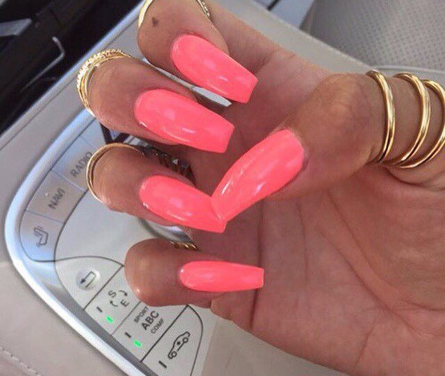 The Best Nail Colors To Rock In Summer