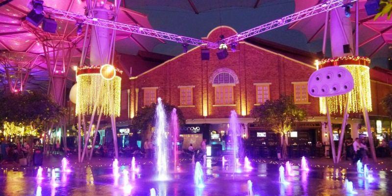 Clarke Quay 克拉碼頭。喝酒賞景遊船河,越夜越美麗。District 10 Bar & Restaurant。新加坡美食|新加坡景點