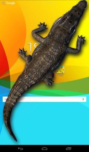 Android Crocodile in Phone Big Joke Screen 4