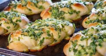 [高雄]東暘烘焙屋-每日限量!必吃青蔥滿滿蔥麵包x紅豆麻糬酥!人氣台式糕餅韓市長土鳳梨酥