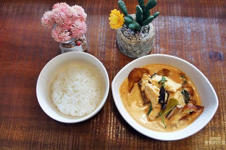 20171224220046 16 - [熱血採訪] 新莊輔大美食║Double泰 南洋風味料理║一個人也能品嘗的泰式料理 聚餐約會推薦餐廳