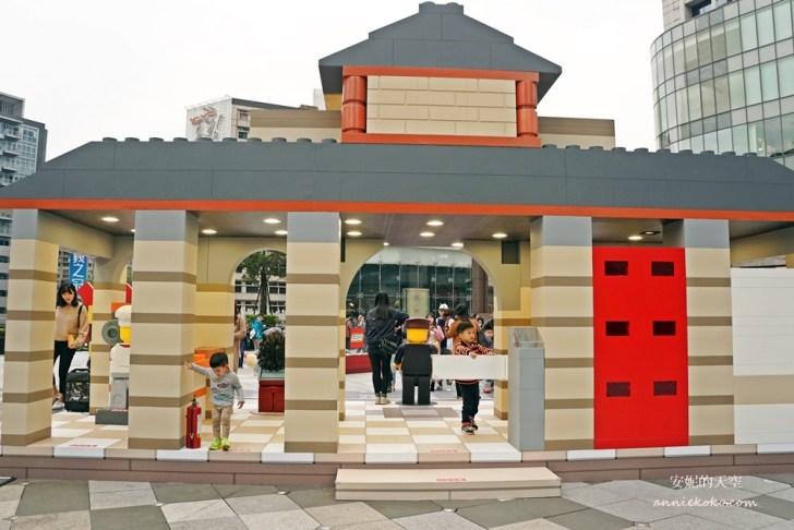 20190119182314 5 - 巨大版樂高車站出現在台北  還有樂高電影院 樂高新年城等你一起來圍爐 統一時代百貨二樓