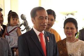 Jokowi perkenalkan sosok menteri kabinet Senin pagi
