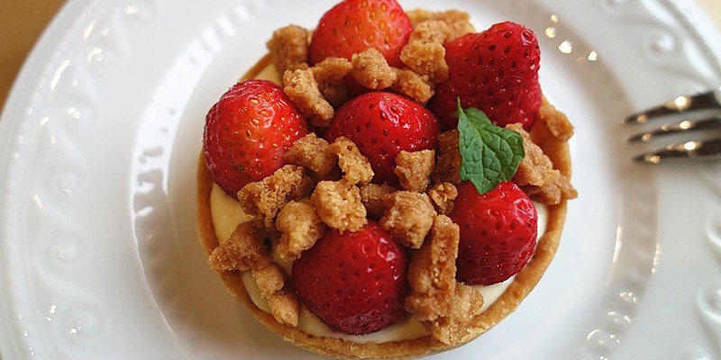 【彰化和美】DeerHer 甜點廚坊;隱藏版可愛系甜點!我們這麼近草莓塔、HER蘋果塔、藍莓乳酪塔,暖呼呼花果茶~!超療癒甜點大推薦。