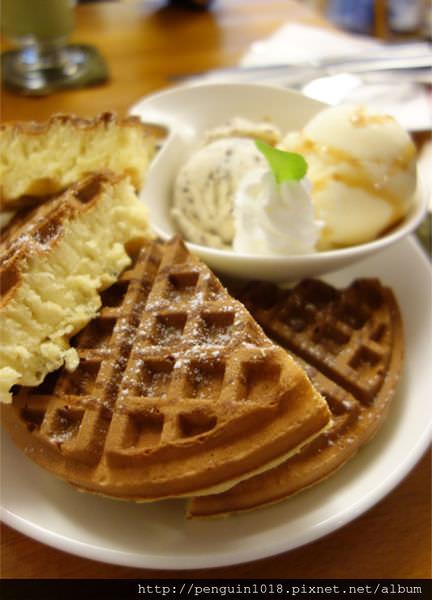 【台中】時光咖啡;東海藝術街裡的美味鬆餅,享受輕鬆的午茶時光。