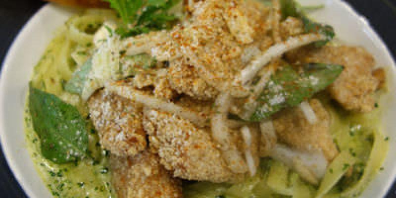 【員林】双双Café;咖啡館裡吃鹽酥雞?美味DOUBLE2~