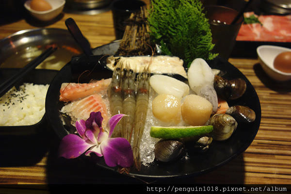 【彰化】石二月鍋之物(三民店);越來越進步的火鍋名店。(二訪文)
