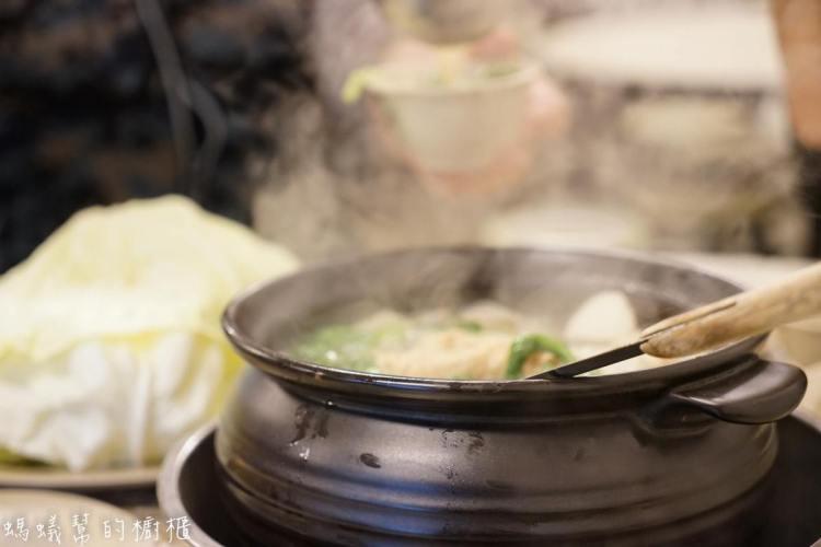 員林霸味薑母鴨   炭火加熱薑母鴨鍋物,三五好友一起聚餐,冬天進補暖身最適合。