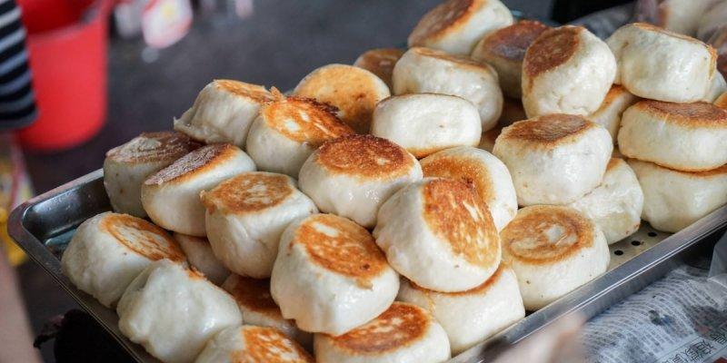 鹿港小吃電子秤水煎包 | 鹿港銅板美食,鮮肉比例多的水煎包,增加鮮甜肉汁口感。