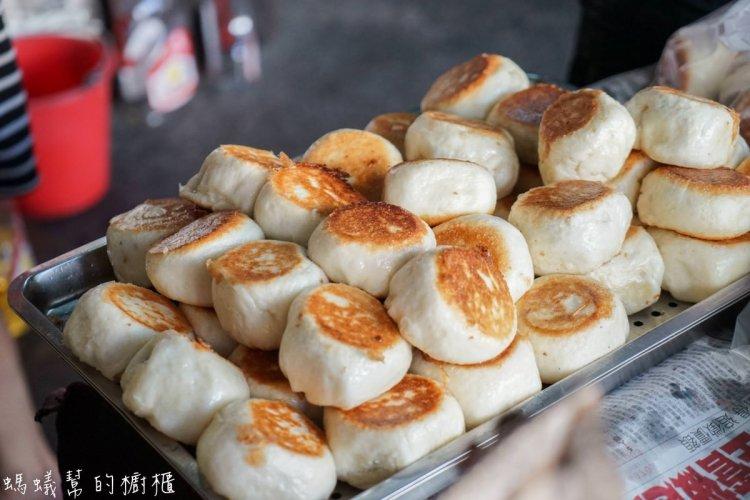 鹿港小吃電子秤水煎包   鹿港銅板美食,鮮肉比例多的水煎包,增加鮮甜肉汁口感。