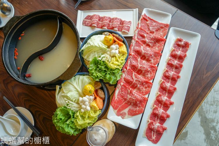 員林井閣鍋物 | 員林火鍋推薦,午間超值優惠雙人餐,肉多多豪華組合,肉食控必選。