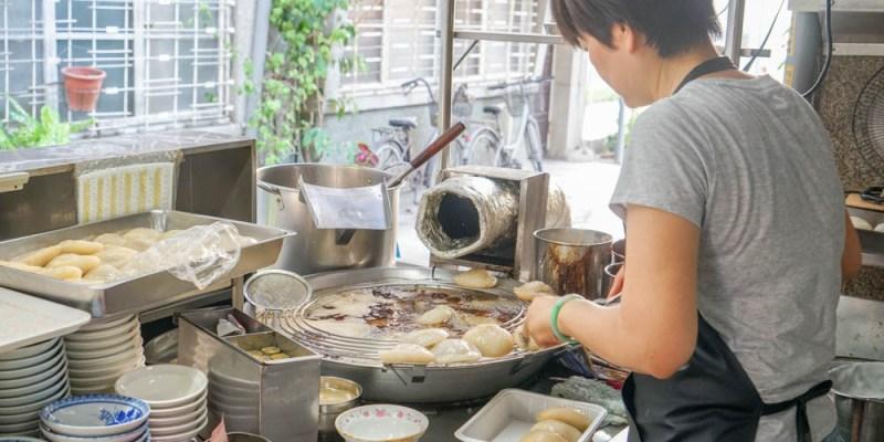斗六吳記肉圓 | 西市場裡一甲子肉圓攤,火車站附近小吃美食,湯只要十元。