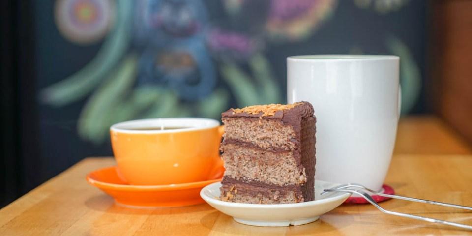 老窩咖啡(員林店)&麓上咖啡   彰化大村大葉大學附近咖啡館,下午茶甜點聚餐。