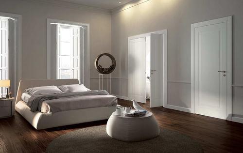 Pivoting door with offset axis / wood MIRAQUADRA  GAROFOLI