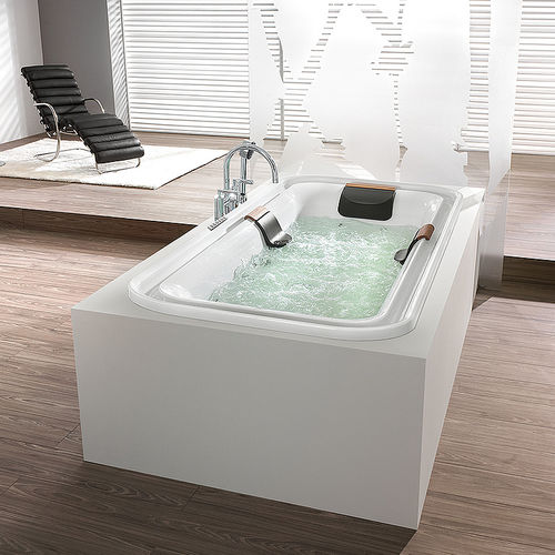 Acrylic bathtub ERGO+: 6436 by Günther Horntrich HOESCH Design