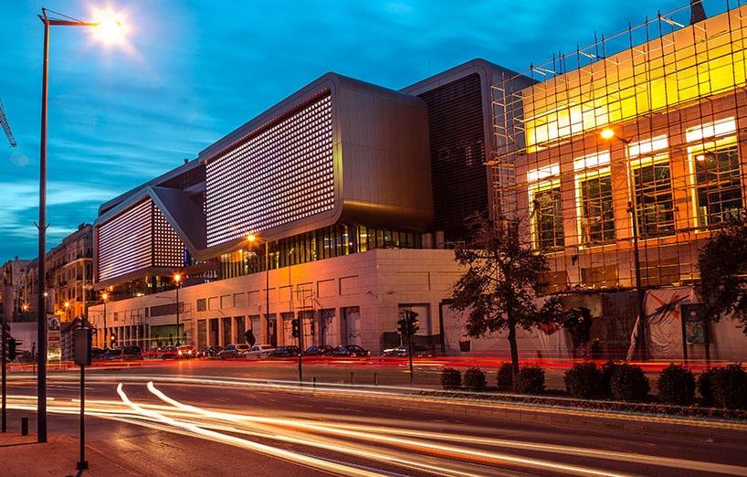 centre de divertissement de souks par les architectes d akk la lumiere de cai