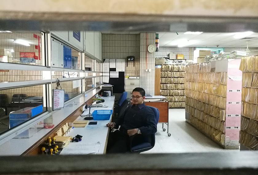 Prashanth ialah seorang doktor tipikal, yang bermakna dia mempunyai diagnosis dan preskripsi bagi setiap masalah yang diketengahkan, baik mengenai masalah negeri atau negara. - Foto: Karim Raslan