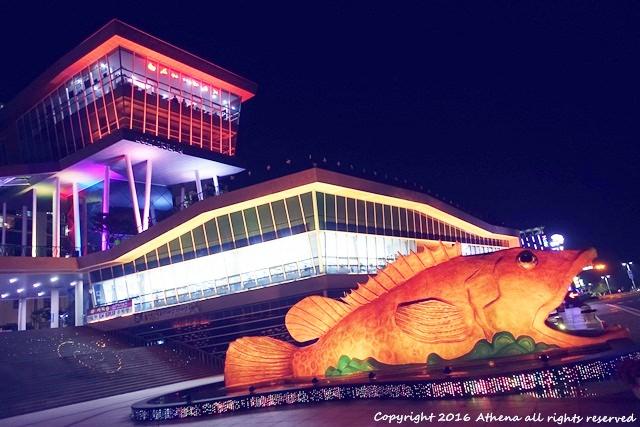 韓國 ▌忠清北道 丹陽夜景推薦 丹陽Danuri水族館旁 變色的魚和燈光秀