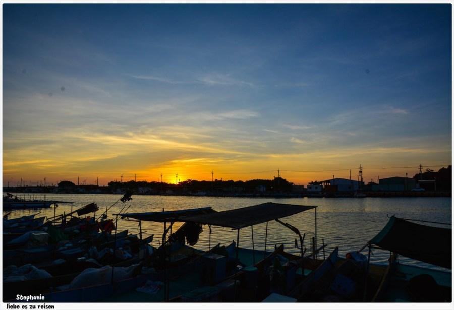 高雄‧彌陀 吹著海風,好舒服啊!南寮漁港海岸自行車步道