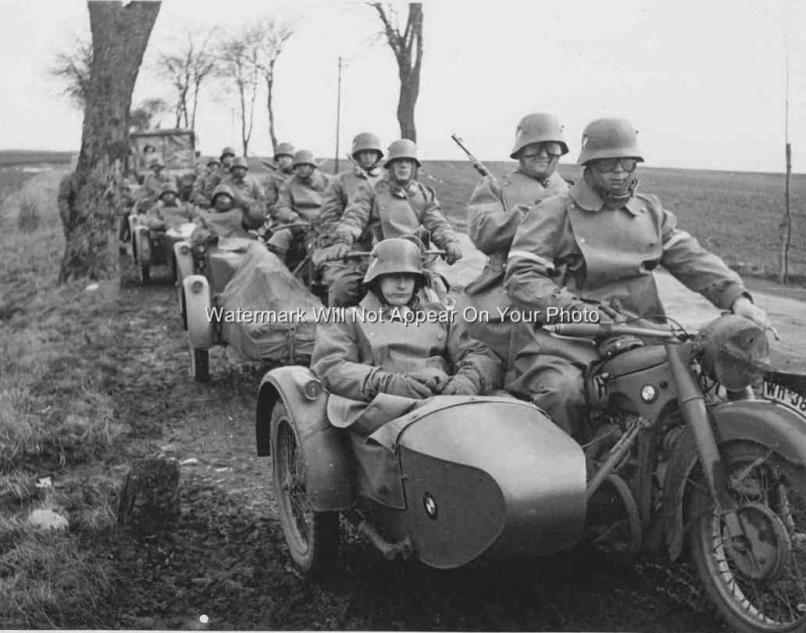 World War Two Germany Army Troops Solrs Old