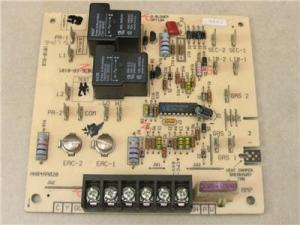 Carrier Bryant HH84AA020 HVAC Furnace Control Circuit