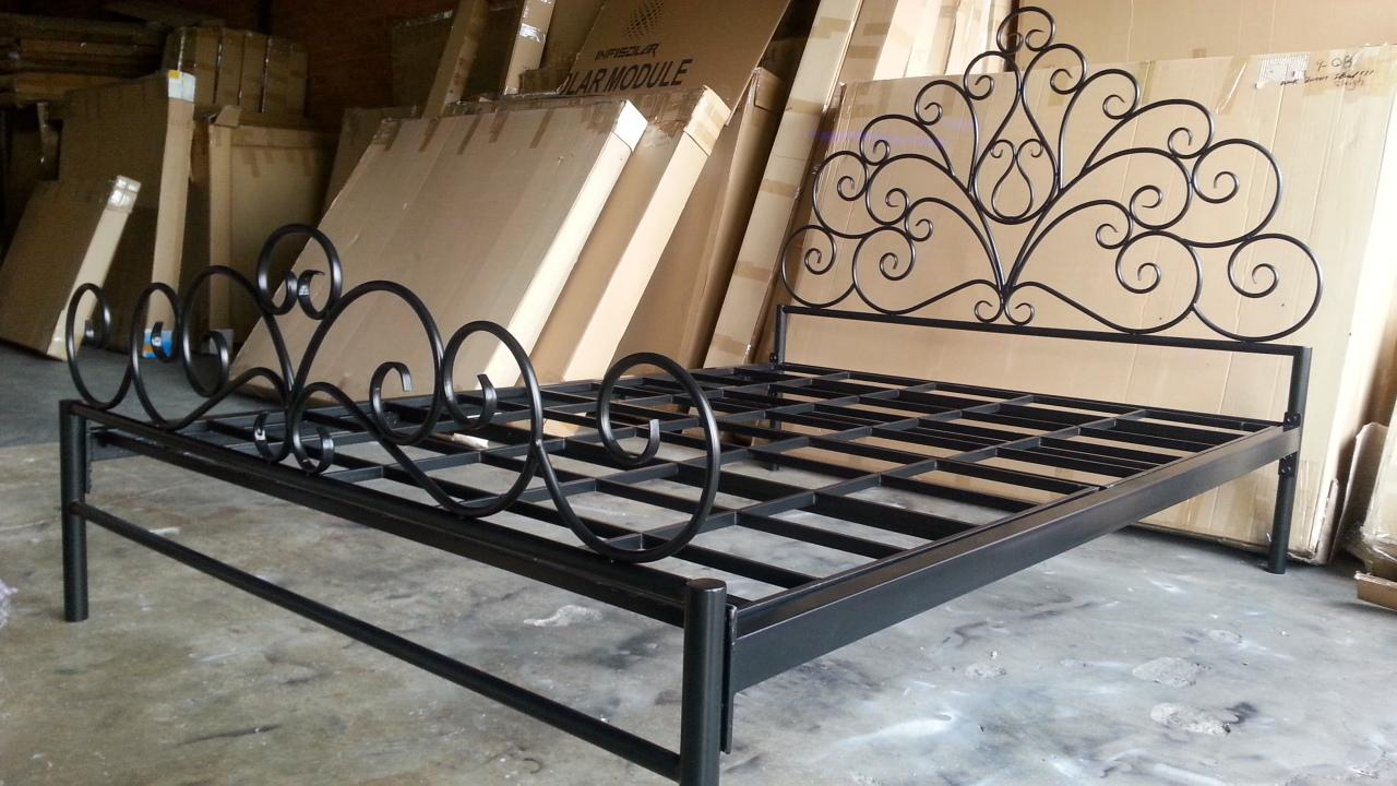 Beautiful Hand Made French Scrolls Iron BED Ends Frame