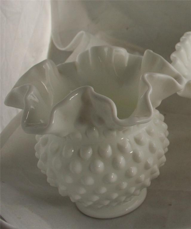 vintage glassware,Fenton,bowl,ruffled,crimped,rose,milk glass,white