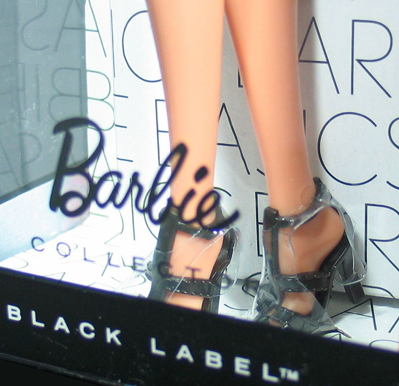 BARBIE BASICS Doll Muse Model No 6 06 006 60 Collection 1