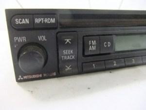 RADIO AMFMCD OEM MITSUBISHI GALANT 2002 2003 WITHOUT