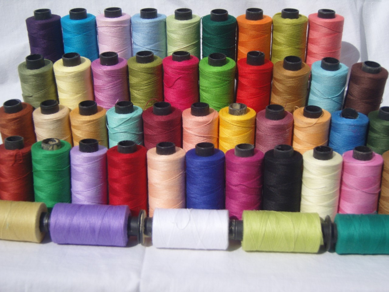50 Large SEWING 100 PURE COTTON THREAD 50 Different