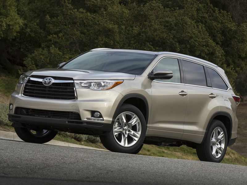 10 7 Passenger Cars With Good Gas Mileage