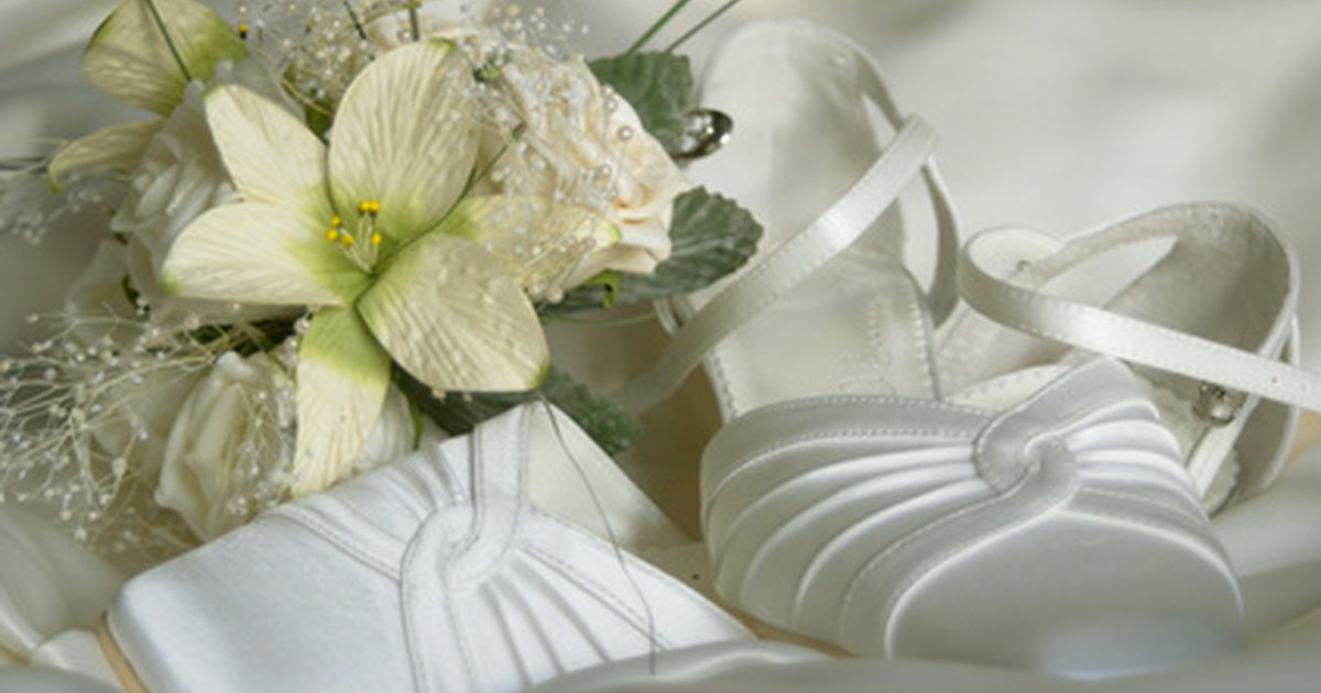 How To Make Wedding Corsages With Silk Flowers